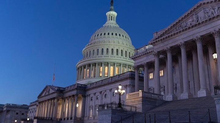 ΗΠΑ: Η Βουλή ψήφισε υπέρ της παραπομπής του Ντόναλντ Τραμπ