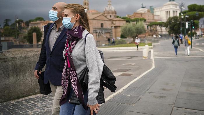Ιταλία: Τέλος στην υποχρεωτική χρήση μάσκας σε εξωτερικούς χώρους από 28/6