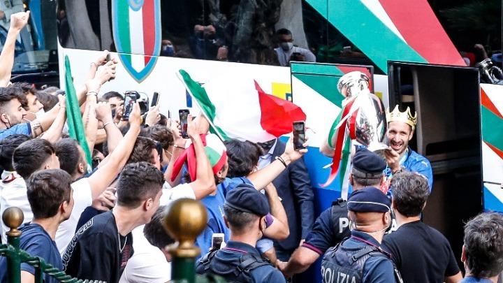 Ιταλία: Έκρηξη κρουσμάτων κορονοϊού στη Ρώμη, μετά τους πανηγυρισμούς για την κατάκτηση του Euro